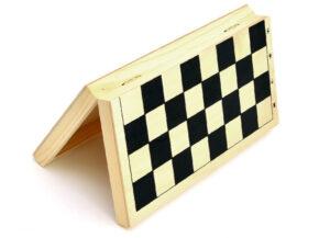 Доски для игры в шахматы и шашки